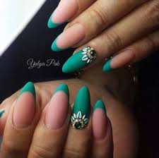 30 Best Almond Shaped Nail Designs to Sneak The Peek