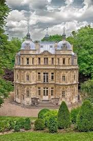 azay le rideau burgundy and