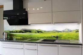 keuchenrueckwand berge wandverkleidung küche glasrückwand