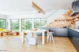 moderne offene küche und wohnzimmer stockfoto und mehr bilder arbeitsplatte