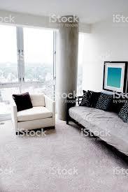 moderne wohnzimmer stockfoto und mehr bilder architektonische säule