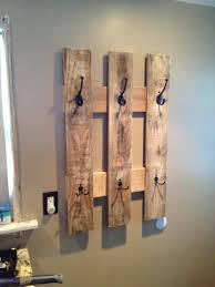 DIY Pallet Proejcts That Are Easy To Make And Sell Coat Rack