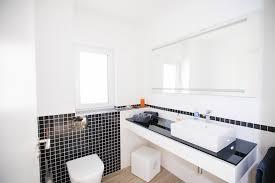 bad in klassischer schwarz weiß optik fischerhaus