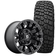 Fuel Wrangler JK Vapor Wheel And Tire Package 17