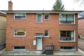 100 Triplex Toronto 17 Budgell Terrace Price 1785000 Cashback 17900 For Sale