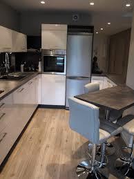 cuisine ouverte surface cuisine ouverte sur sjour surface cuisine moderne ouverte