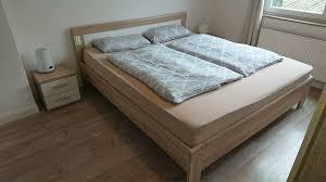 schlafzimmer kleiderschrank bett