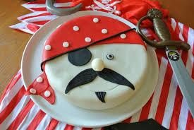 gâteau pirate en pâte à sucre a ma sauce