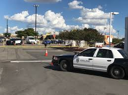 Halloween Express South Austin by Police Search For Suspect After Man Is Shot In South Austin Kxan Com