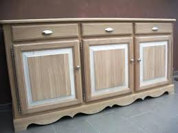 peindre meuble bois cuisine peindre armoire en bois armoire de cuisine bois affordable