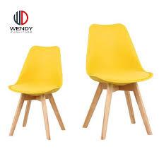 hersteller holz design esszimmer kunststoff stühle mit pu kissen buy holz esszimmer kunststoff stuhl kunststoff stühle mit pu kissen hersteller