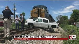 100 Train Vs Truck Vs Truck Crash In Elberton Ga Drivers Asked To Avoid Area