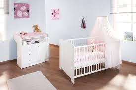 chambre bebe lit et commode bébé évolutif et commode à langer jil