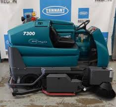 tennant reconditioned certified pre owned used scrubbers sweepers