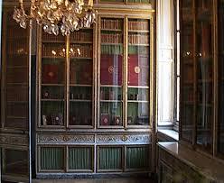 la chambre secrete passage secret dérobée dans la chambre de la reine à versailles