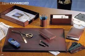 sous de bureau en cuir sous personnalisé en cuir de veau grainé avec rabat chambord