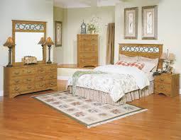Knotty Pine Bedroom Furniture by Pine Bedroom Furniture Bedroom Design Decorating Ideas