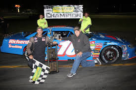 100 St Johnsbury Trucking Dragon Claims Title On Jet ServiceAccura Night While Blake Triples