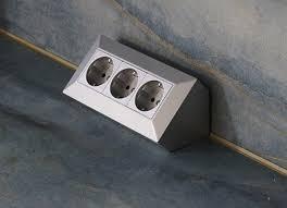 aufbau unterbau 3 fach steckdosenleiste küche ecke silber