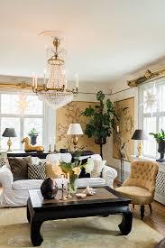 klassisches wohnzimmer in gold weiß und bild kaufen