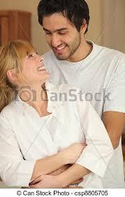 couples amour cuisine dans amour cuisine images de stock rechercher des
