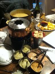 fondues bouillon et fromage photo de la maison des fondues aix