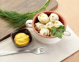 moutarde blanche en cuisine boulettes russes pelmeni dans la moutarde blanche de with de