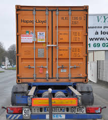 Renault Truck T. ? (fr) Charge D'un Container 20 Ft Hapag Lloyd 22G1 ...