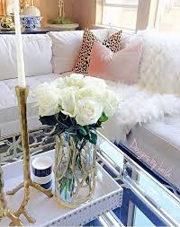 30 Beautiful Spring Living Room Decoration With Flowers And Vases