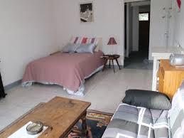 chambre meuble a louer grand studio meublé 33m2 dans villa piscine spa jardin barbecue