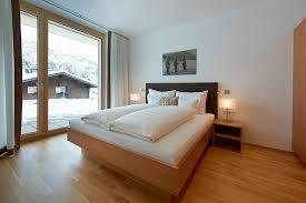 gemütliches schlafzimmer mit panorama aussicht picture of