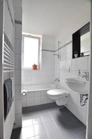 ding alles badezimmer weiße fliesen ideen inspirations und
