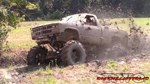BADASS CHEVYS KNOW HOW TO MUD!!! - Clip.FAIL