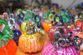 Glass Hand Blown Pumpkins by Glass Pumpkin Patch Returns To Hermosa Beach Entertainment The