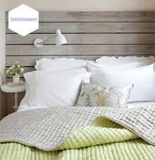 kleines schlafzimmer günstig kreativ einrichten bett