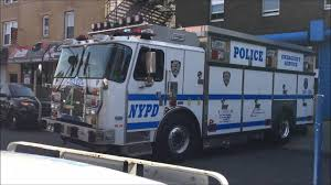NYPD EMERGENCY SERVICE SQUAD TRUCK 4 RETURNING TO QUARTERS IN THE ...