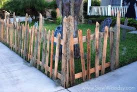 Fence Made From Pallets You Know A Pallet Is The Place Of Business Such