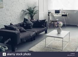 innenraum der modernen wohnzimmer mit und arbeitsplatz