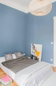 doppelbett und moderne kunst im bild kaufen 12315224