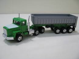 Ertl International Paystar 5000 Semi W/Gravel Trailer (No Box) Bruder 029 Cattle Trailer With 1 Cow New Factory Sealed 2029 Corgi Diecast Mack B Series Breyer Delivery Van 98453 Good Ebay Truck Gooseneck Horze Breyer Traditional Series Dually Truck 2614 Running Creek Horse Crazy And Toysrus 2611 Large 19 Scale Trailer For The Traditional Pickup Millbry Hill Classic Crusier Stablemates Sm Horse Transporter Pickup Toys Gifts The Tack Trunk Set B5350 132 Scale