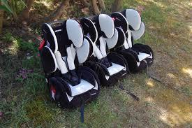 siege auto jumeaux maman cube comment mettre 3 sièges auto dans une voiture siège