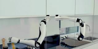 le robot chef qui prépare tout seul plus de 2 000 recettes