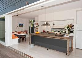 cuisine sur roulettes meuble cuisine stunning desserte de cuisine en bois
