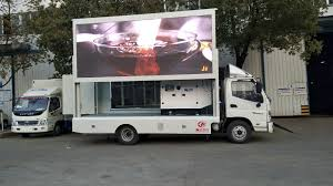100 Japanese Truck China Brand 4X2 Mobile Advertising LED Screen Advertising
