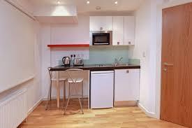 kleine küche einrichten so nutzen sie den platz