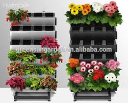 Vertical garden wall planter with water indicator living wall