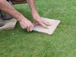 How To Lay Stepping Stones   How-tos   DIY Garden With Tropical Plants And Stepping Stones Good Time To How Lay Howtos Diy Bystep Itructions For Making Modern Front Yard Designs Ideas Best Design On Pinterest Backyard Japanese Garden Narrow Yard Part 1 Of 4 Outdoor For Gallery Bedrock Landscape Llc Creative Landscaping Idea Small Stone Affordable Path Family Hdyman Walkways Pavers Backyard Stepping Stone Lkway Path Make Your
