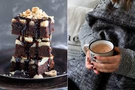 saftiger schokoladen cheesecake brownie mit kakaosauce