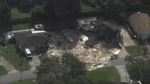 Spirit Halloween Lakeland Fl 2014 by Massive Sinkhole Swallows Two Florida Homes Forces Evacuations