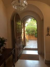 escalier intérieur de la villa photo de villa monticelli